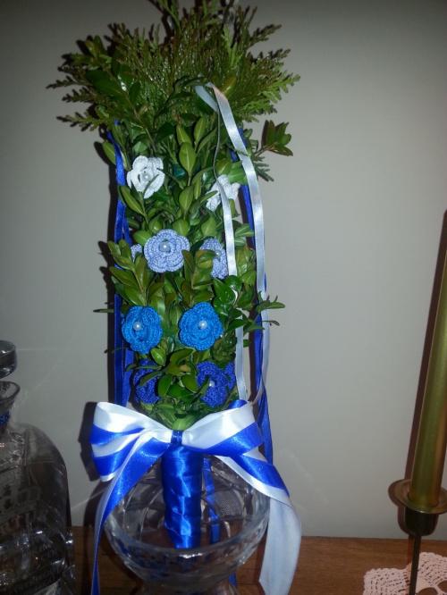 palma wielkanocna na szydełku niebieska