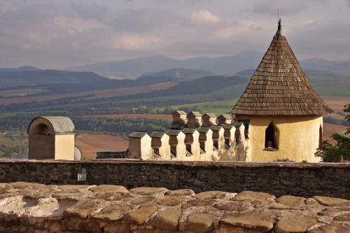 po słowackiej stronie - widok z zamku w Starej Lubovni