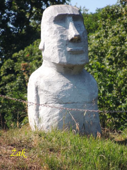 Czyżby Moai (bez pukao) z Wyspy Wielkanocnej?