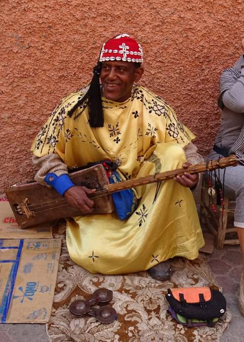 Uliczny grajek - Maroko