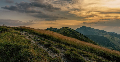 W górach przed zachodem