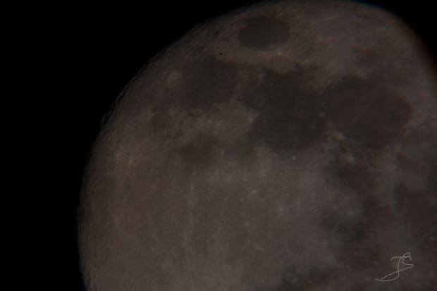 #KSIĘŻYC #SPACE Próba połączenia moich dwóch pasji czyli astronomii i fotografii. Canon 40D (obiektyw YONGUO 50mm) + Teleskop OPTICON