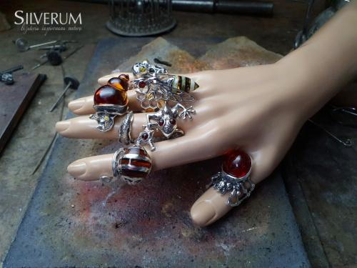 Atrakcyjne Pierścionki z bursztynem - silverum.com.pl #nieszablonowe, #unikatowe, #srebro, #bursztyn, #duże, #pierścionki,
